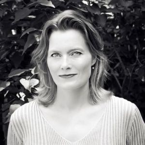 """archeology by jennifer egan essay """"this is all artificial"""": an interview with jennifer egan i came late to jennifer egan's the accompanying catalogue along with essays by holly block and."""